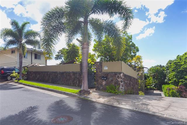 5431 Paniolo Place, Honolulu HI 96821