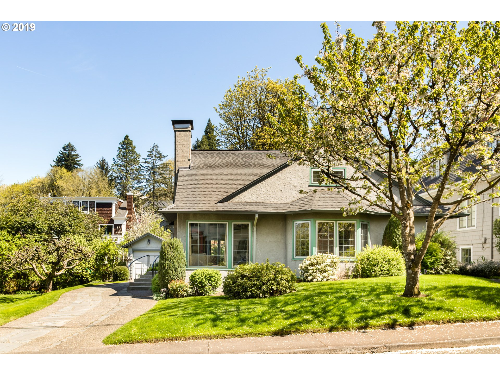 2718 SW OLD ORCHARD RD, Portland OR 97201