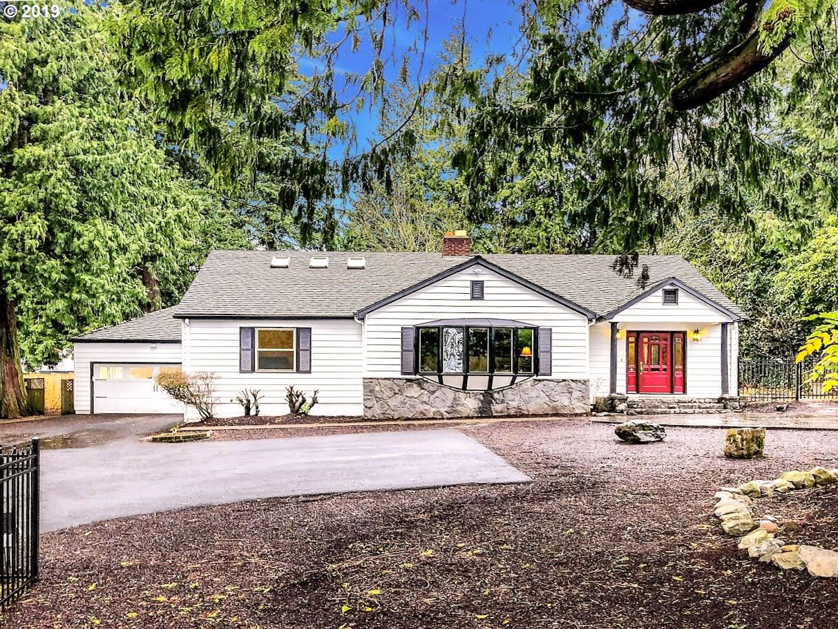 7555 SW CANYON RD, Portland OR 97225