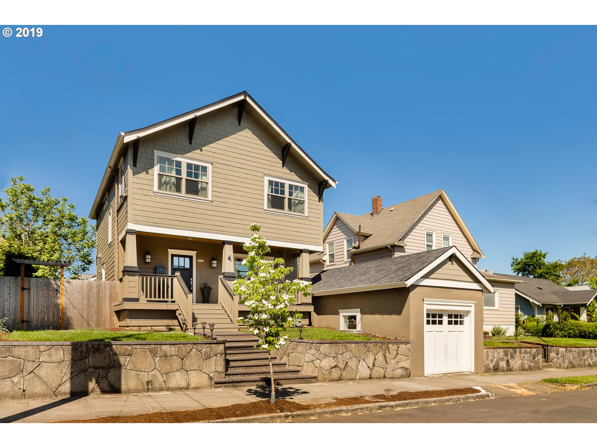 5243 NE 16TH AVE, Portland OR 97211