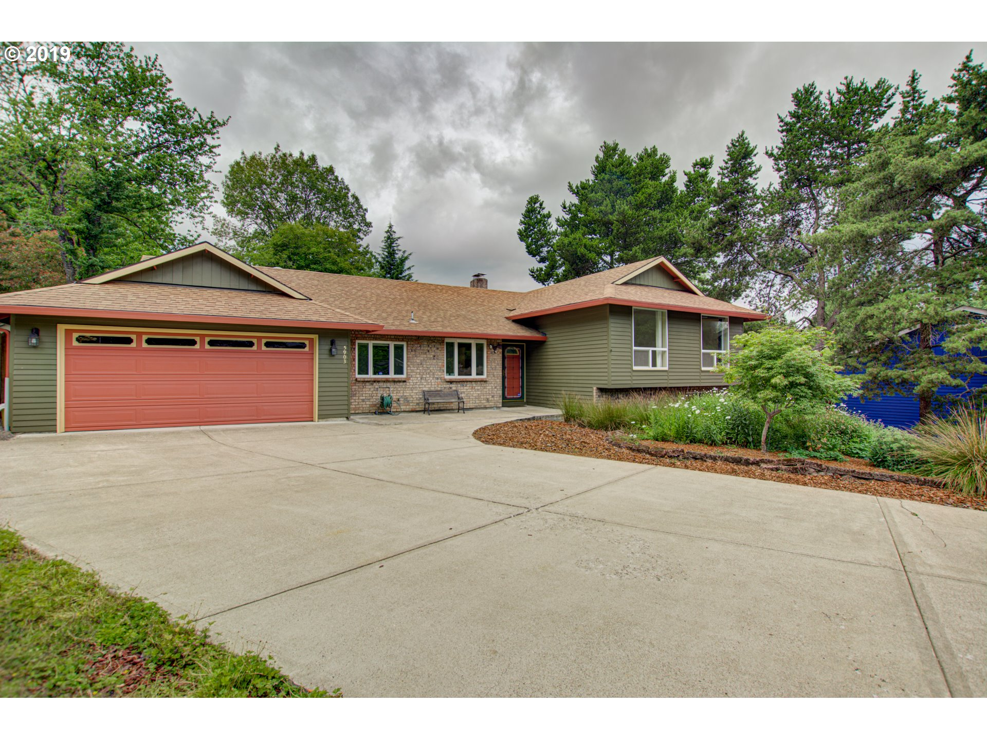 5903 SW 52ND AVE, Portland OR 97221