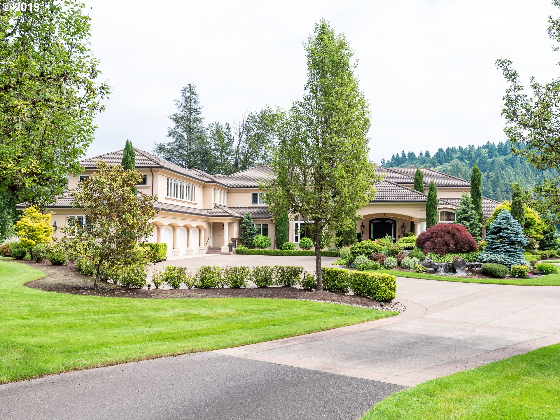24140 SW PETES MOUNTAIN RD, West Linn OR 97068