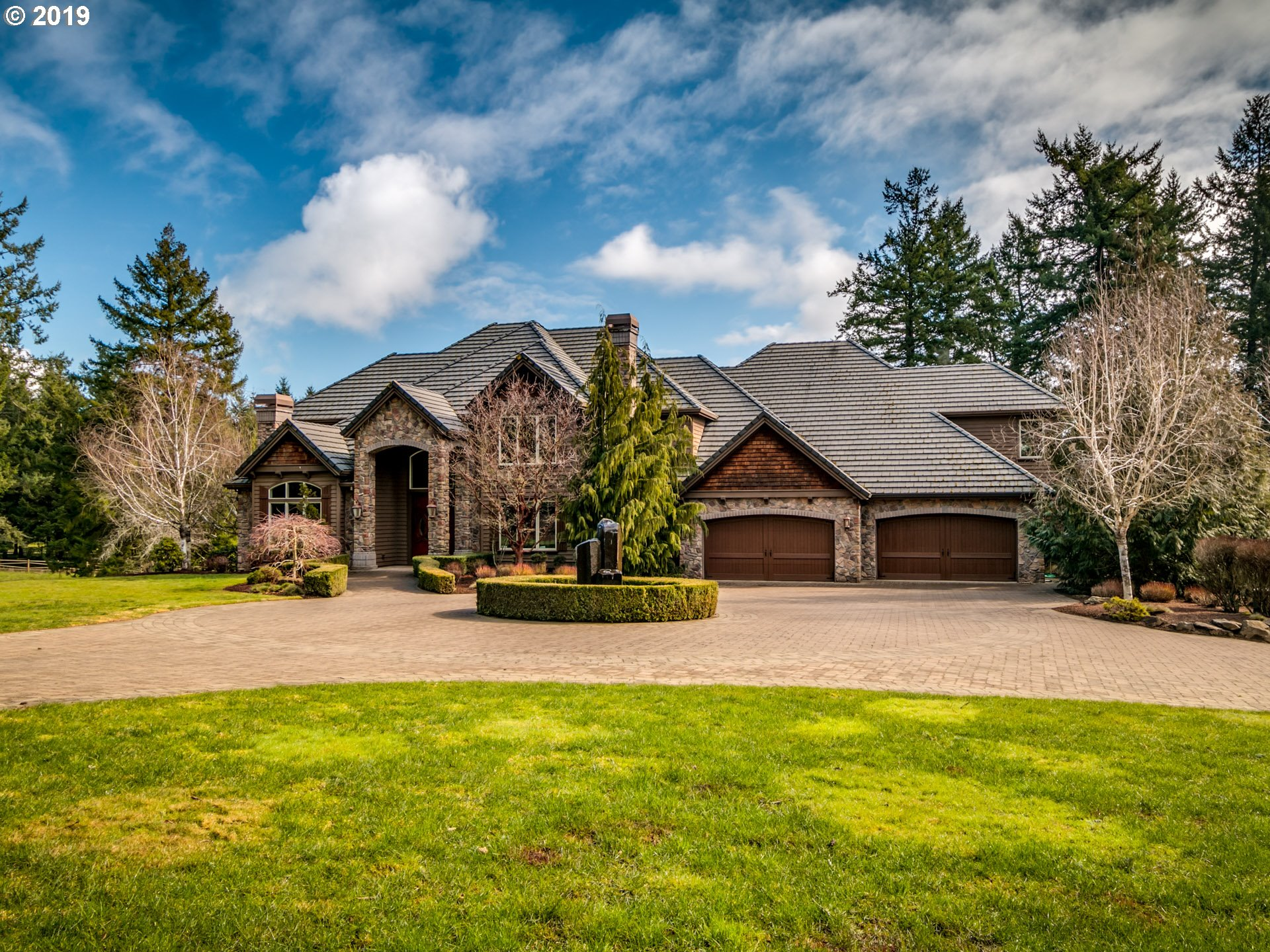 27530 SW PETES MOUNTAIN RD, West Linn OR 97068