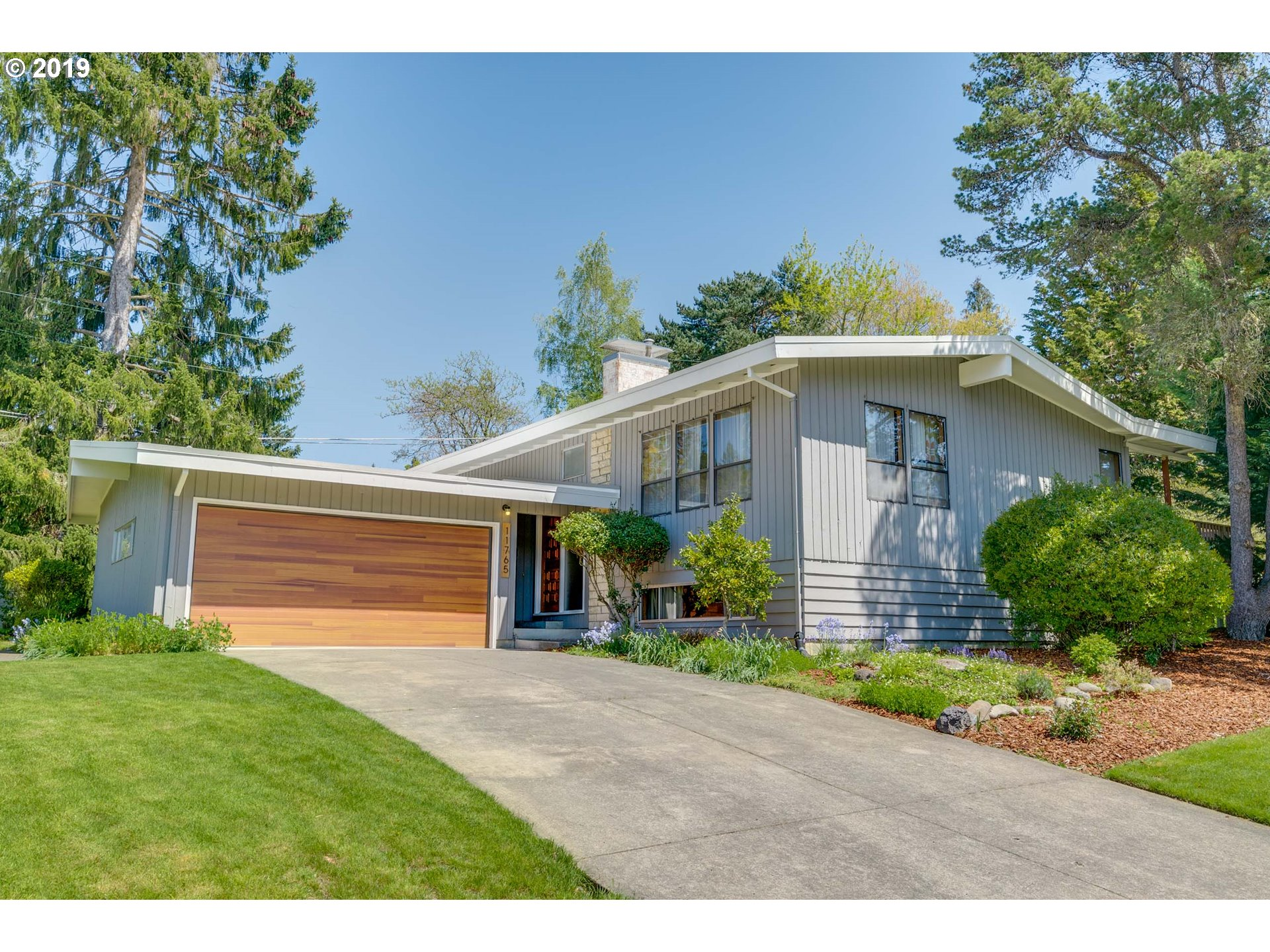 11765 SW FOOTHILL DR, Portland OR 97225