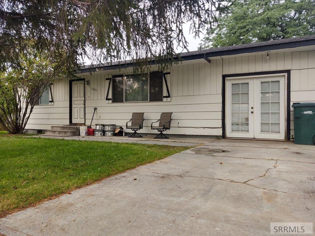 1325 Peach, Blackfoot ID 83221