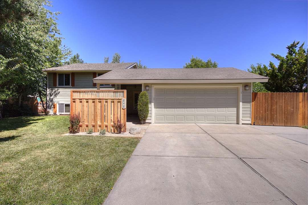 1424 E Bogey Dr, Eagle ID 83616 House for Sale in Eagle