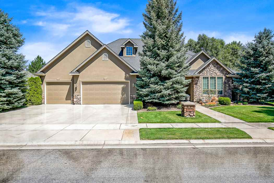 1210 E Rivers End Dr, Eagle ID 83616
