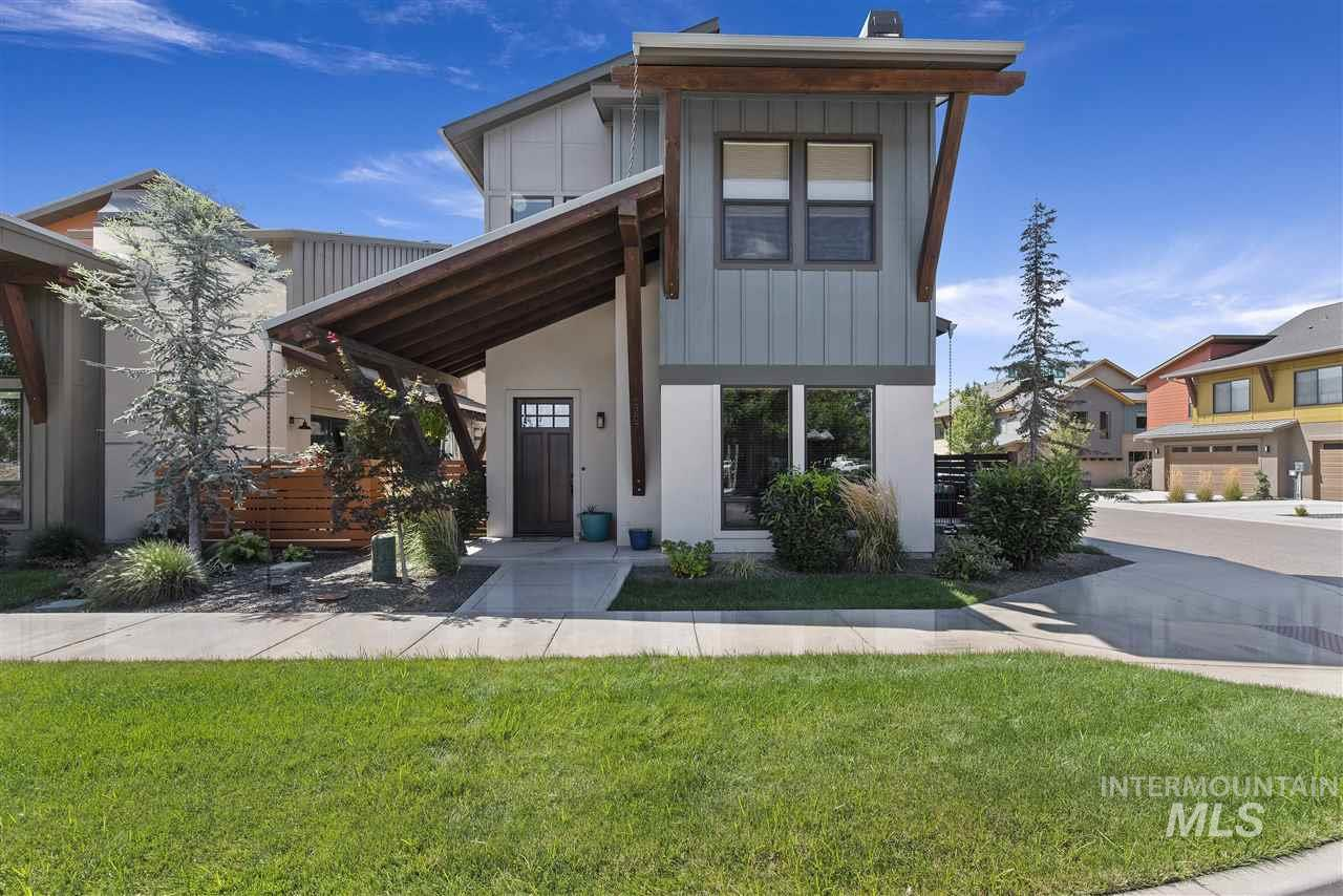 1307 E Lone Creek Dr, Eagle ID 83616