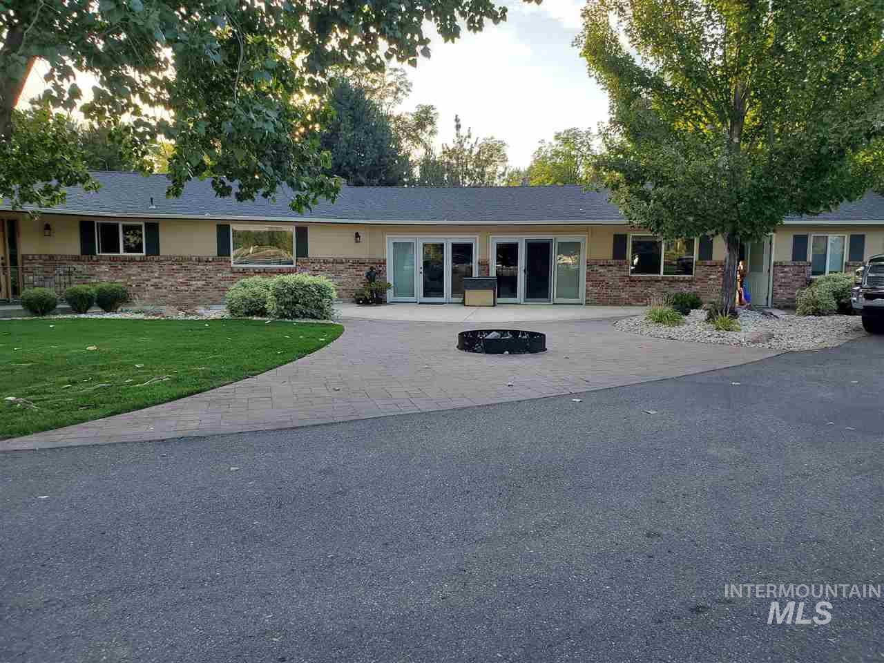 1343 E Beacon Light Rd., Eagle ID 83616
