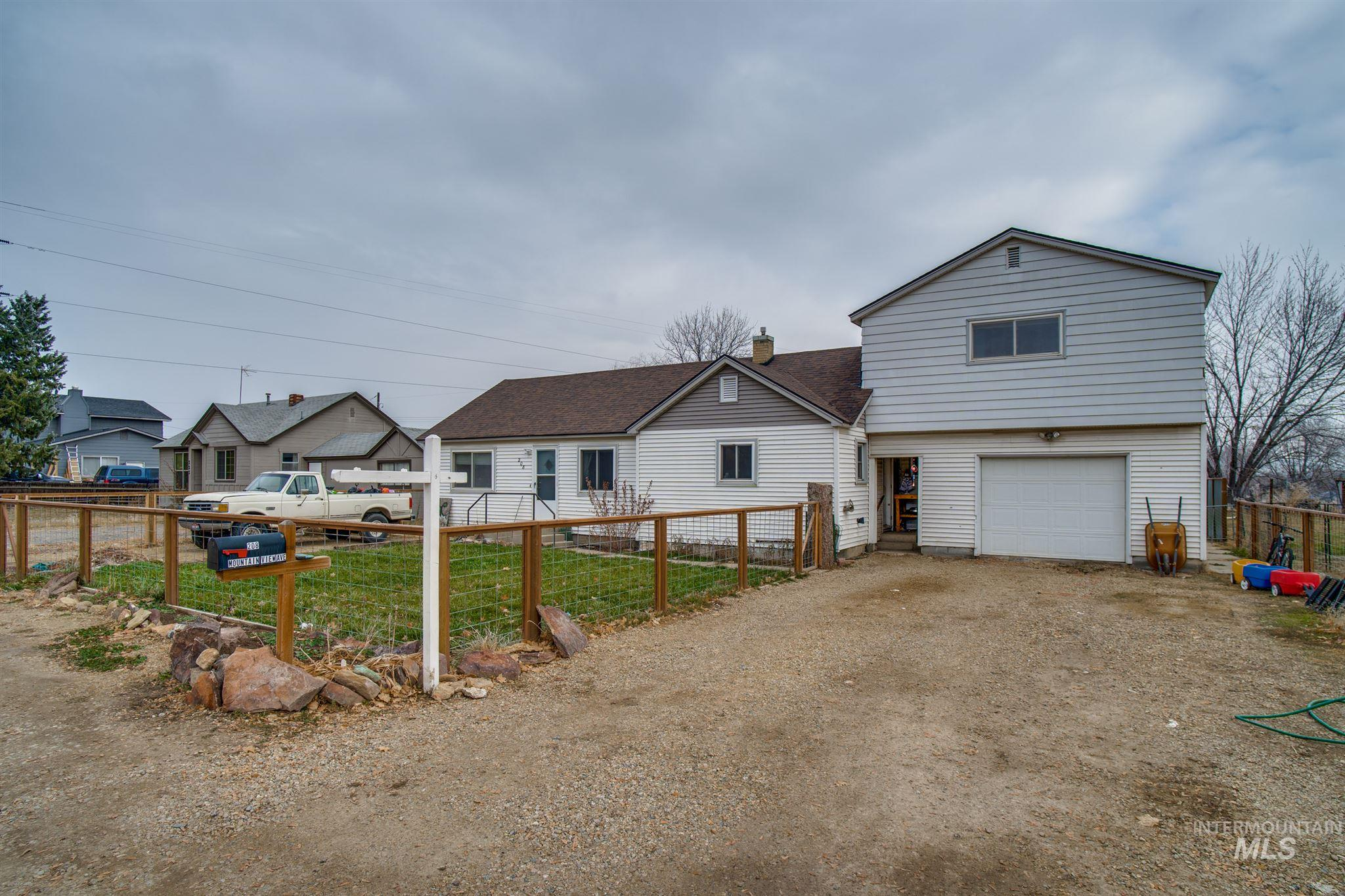 208 Mountain View Ave, Caldwell ID 83605
