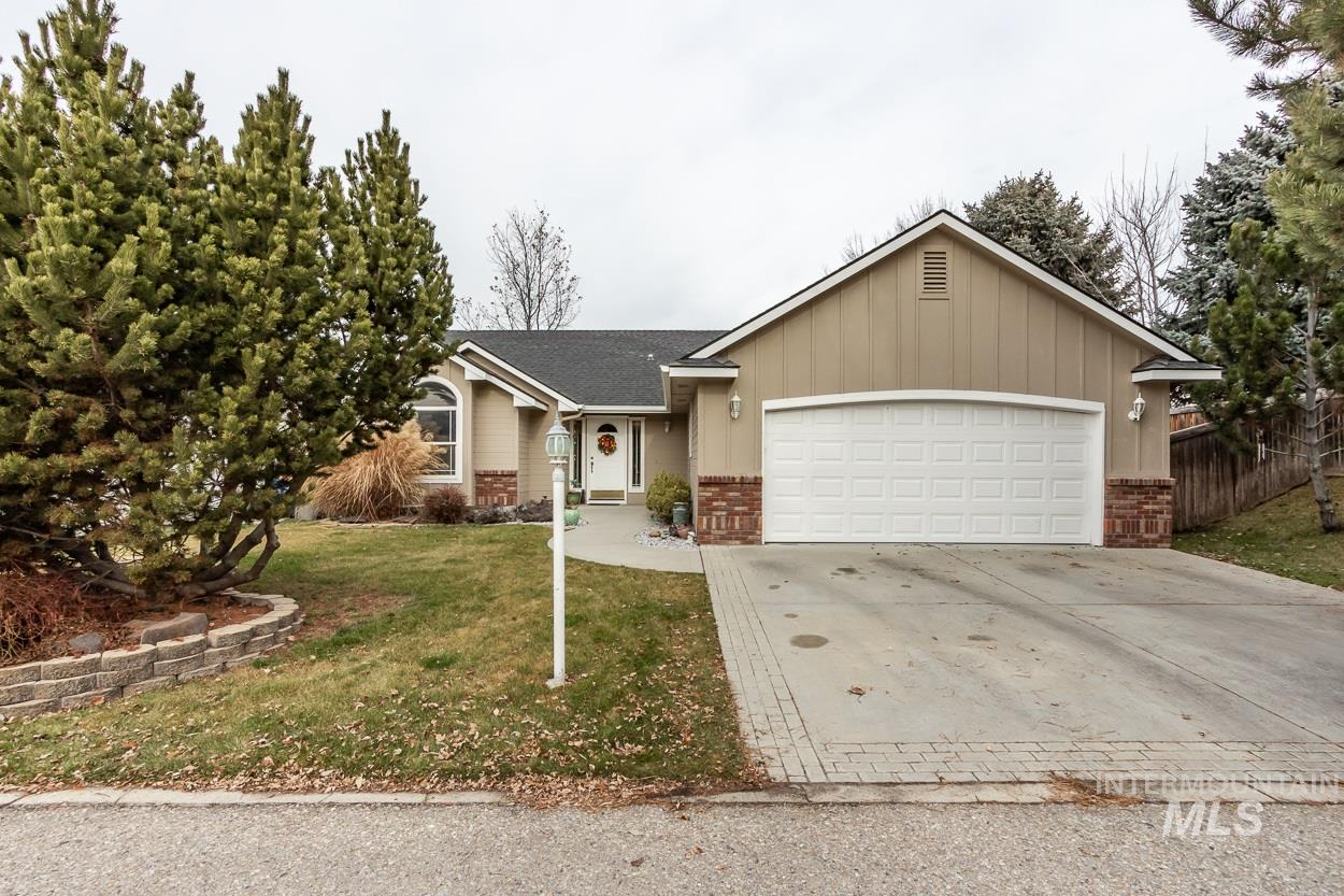 5662 N Parchment Ave, Boise ID 83713