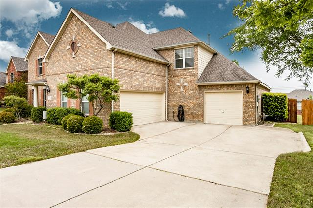 5233 Winterberry Court, Fort Worth TX 76244