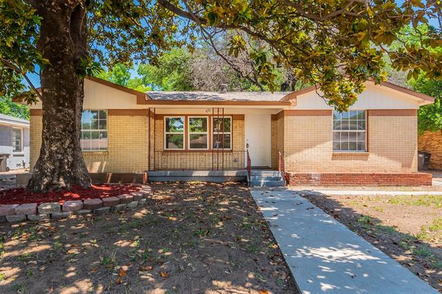 4608 Black Oak Lane, Fort Worth TX 76114
