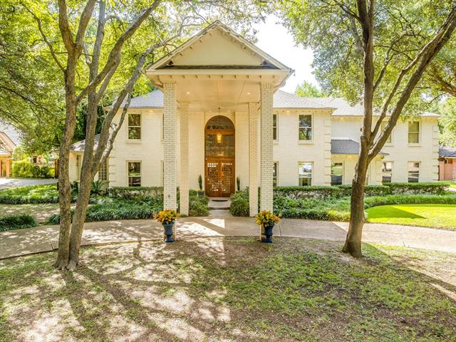 4828 Overton Hollow Street, Fort Worth TX 76109