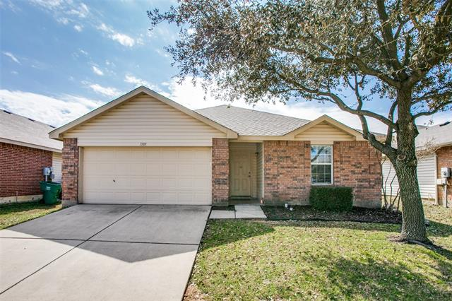 1105 Eagle Claw Drive, Fort Worth TX 76052