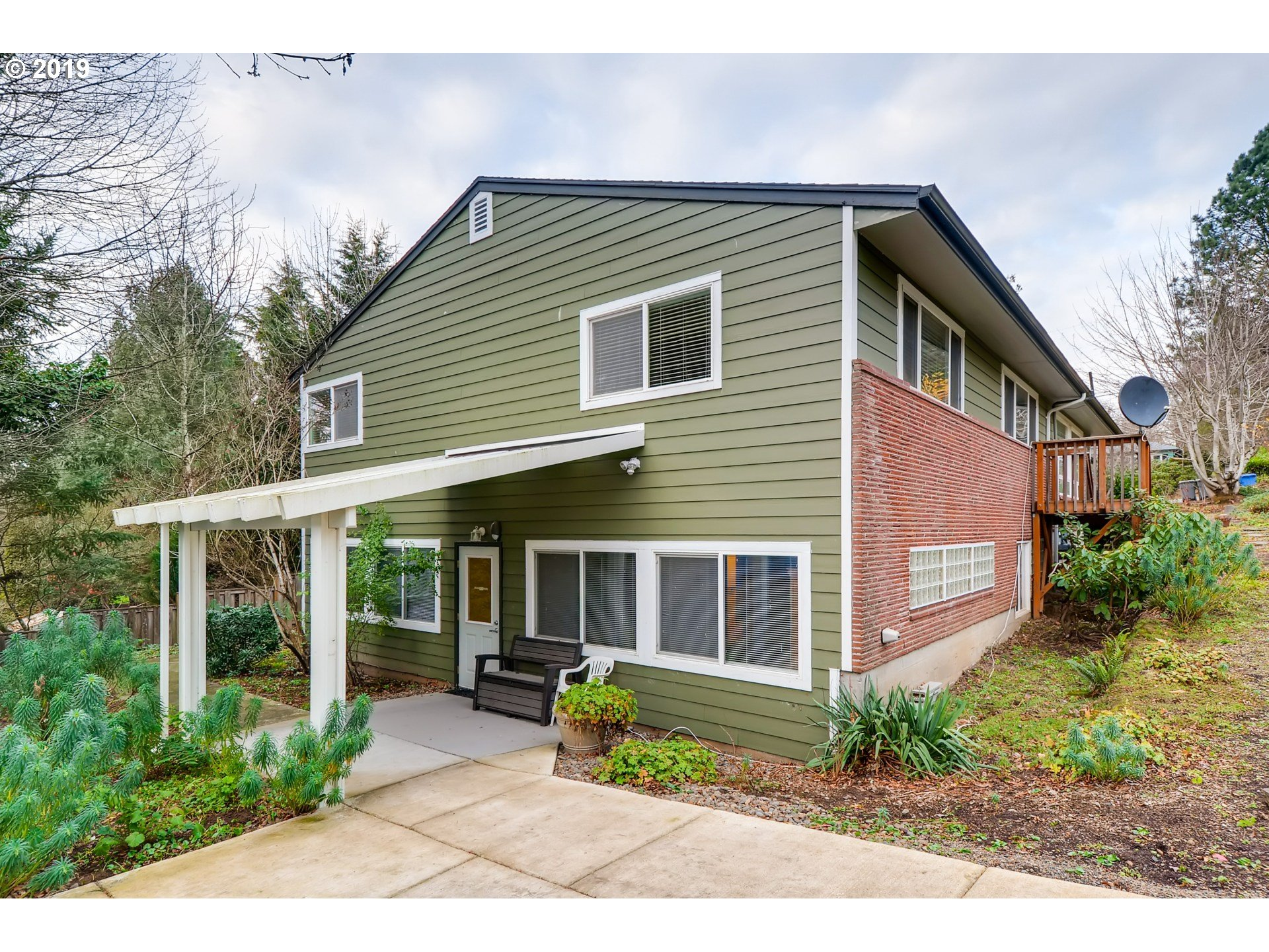 9015 SW 19TH ALY, Portland OR 97219