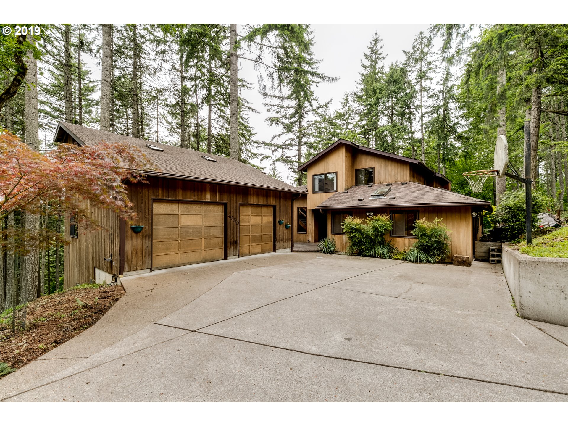 4330 N SHASTA LOOP, Eugene OR 97405