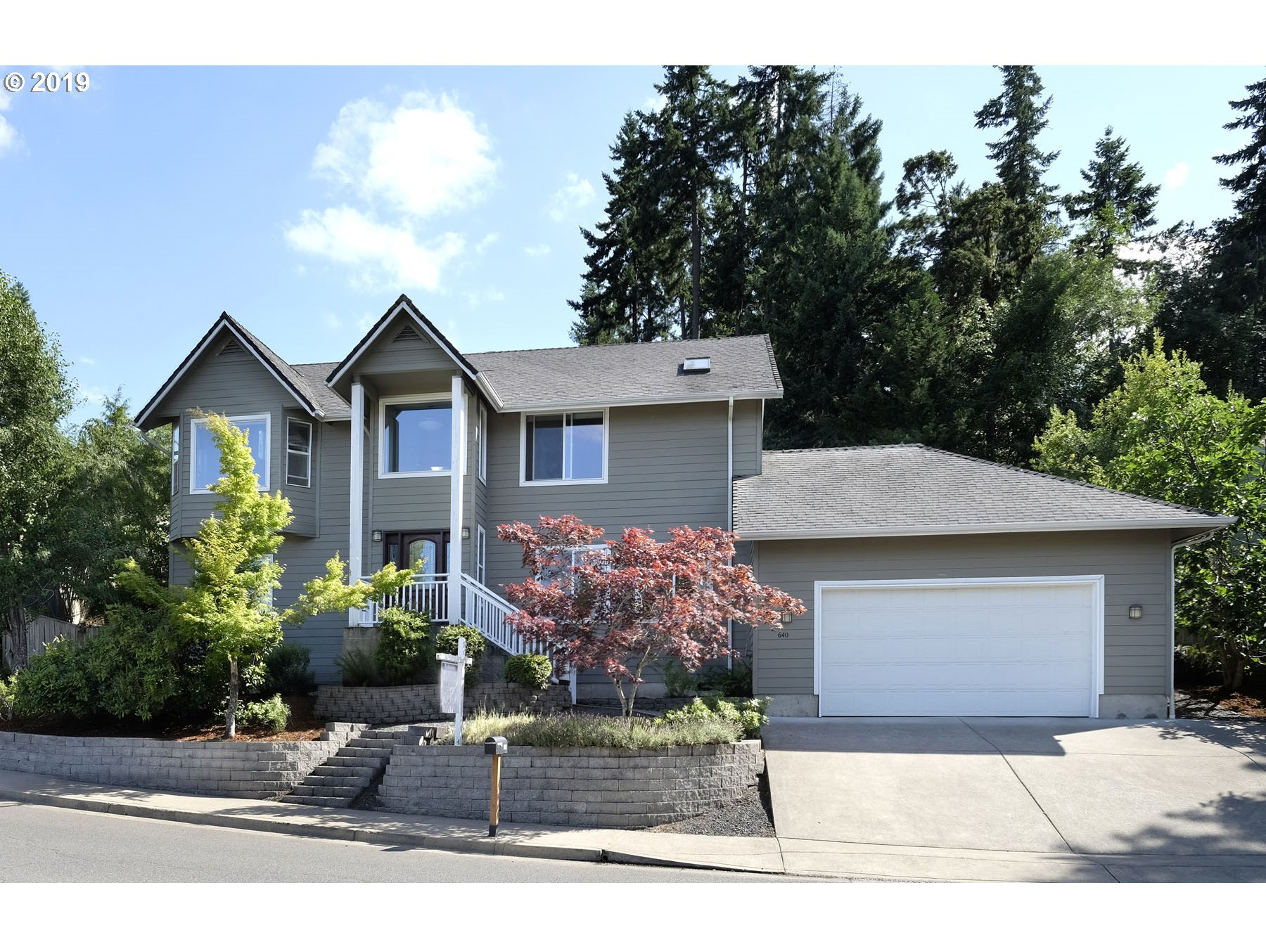 640 DEERTRAIL RD, Eugene OR 97405