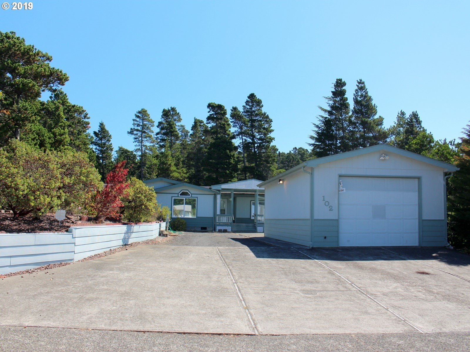 102 EVERGREEN LN, Florence OR 97439