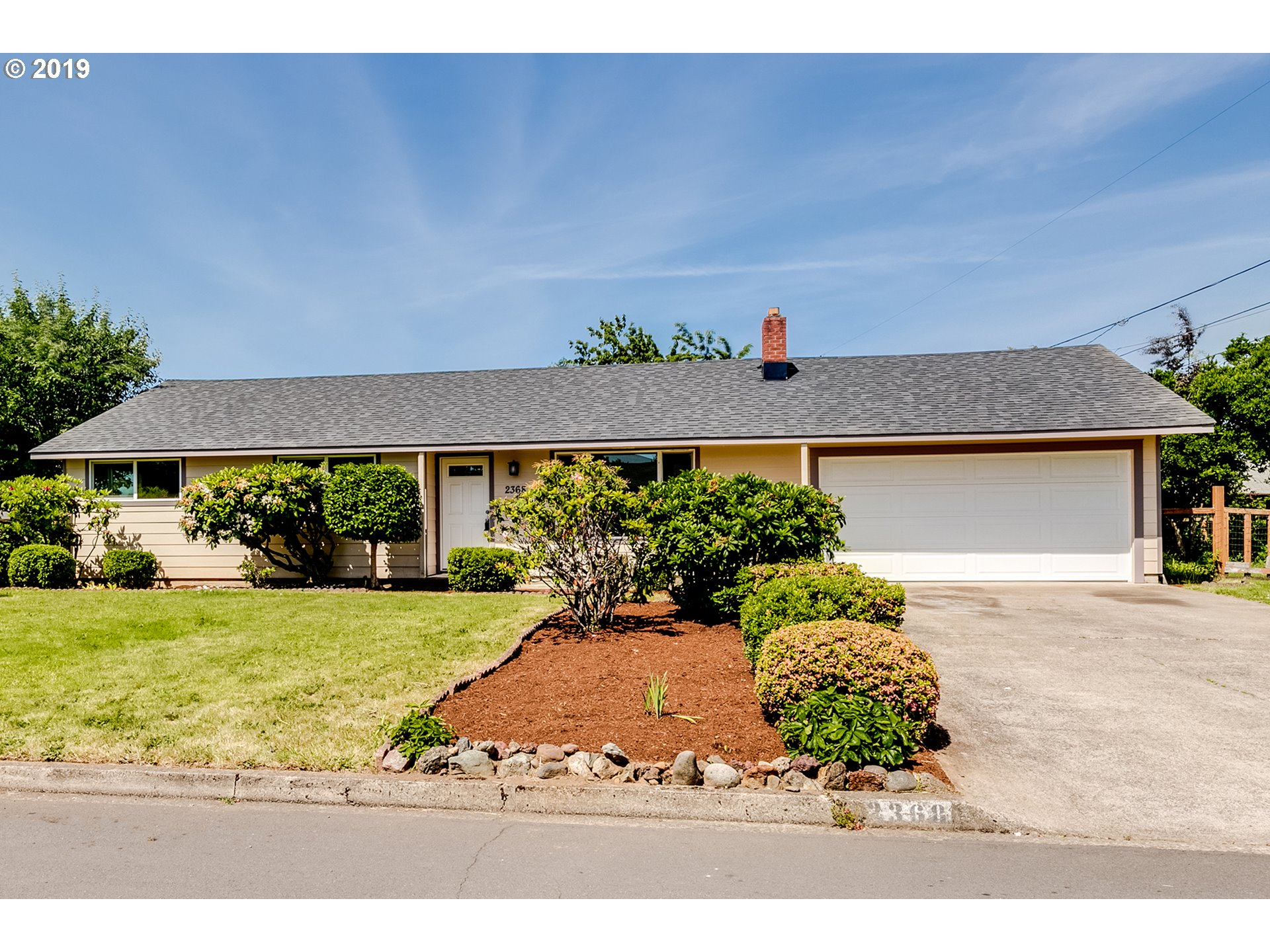 2368 CORRAL DR, Springfield OR 97477