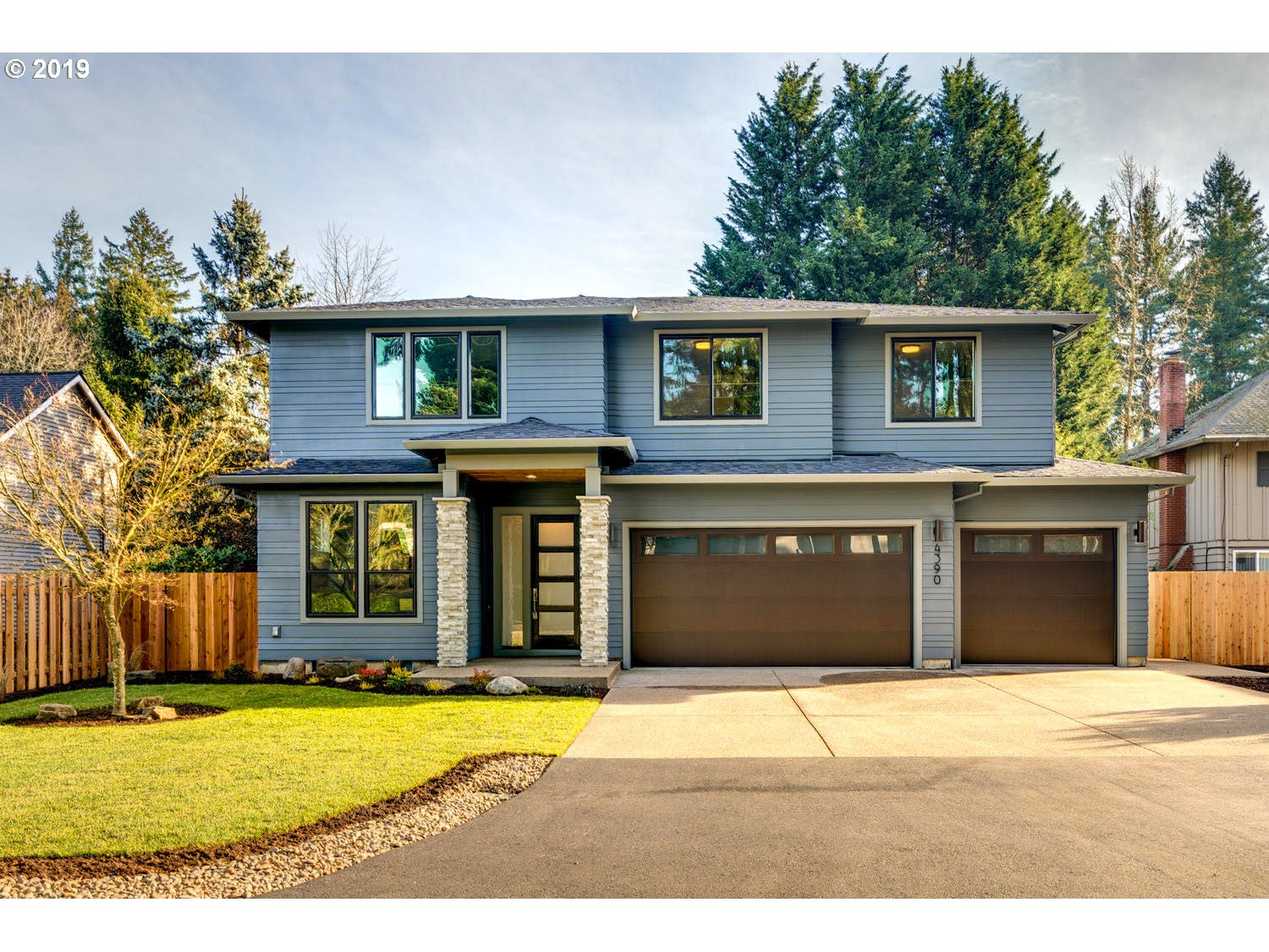 4390 SUNSET DR, Lake Oswego OR 97035