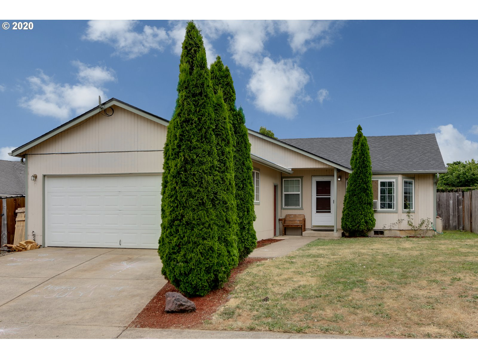1097 ASH GROVE LOOP, Creswell OR 97426