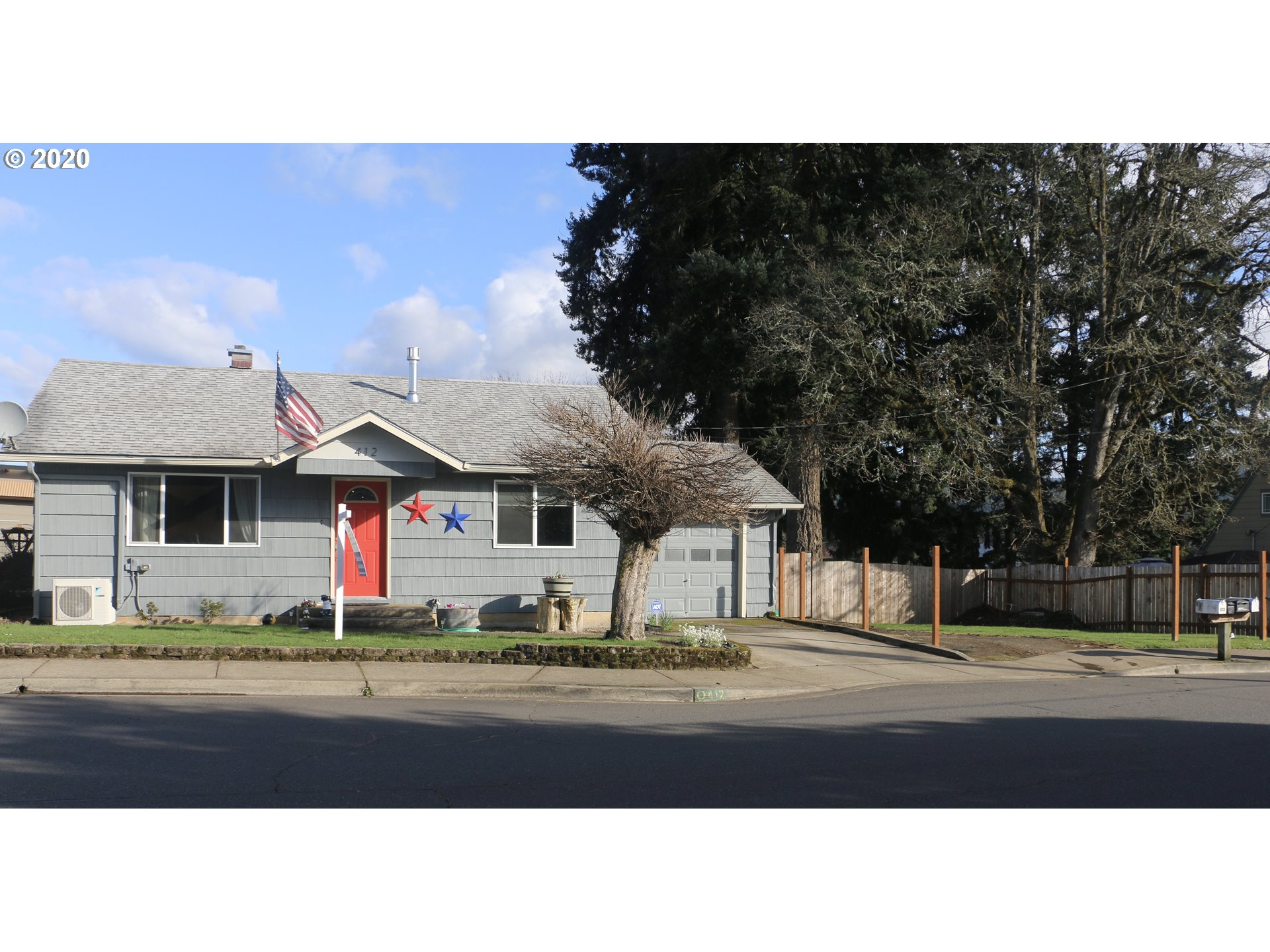 412 N 1ST ST, Creswell OR 97426