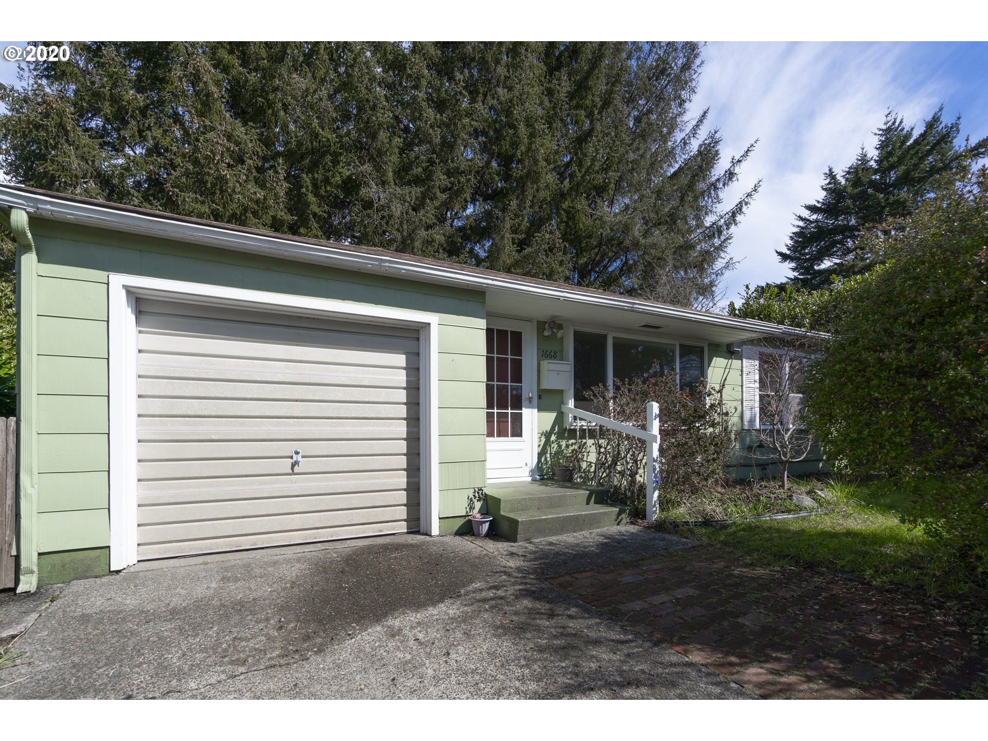 1668 COTTONWOOD , Coos Bay OR 97420