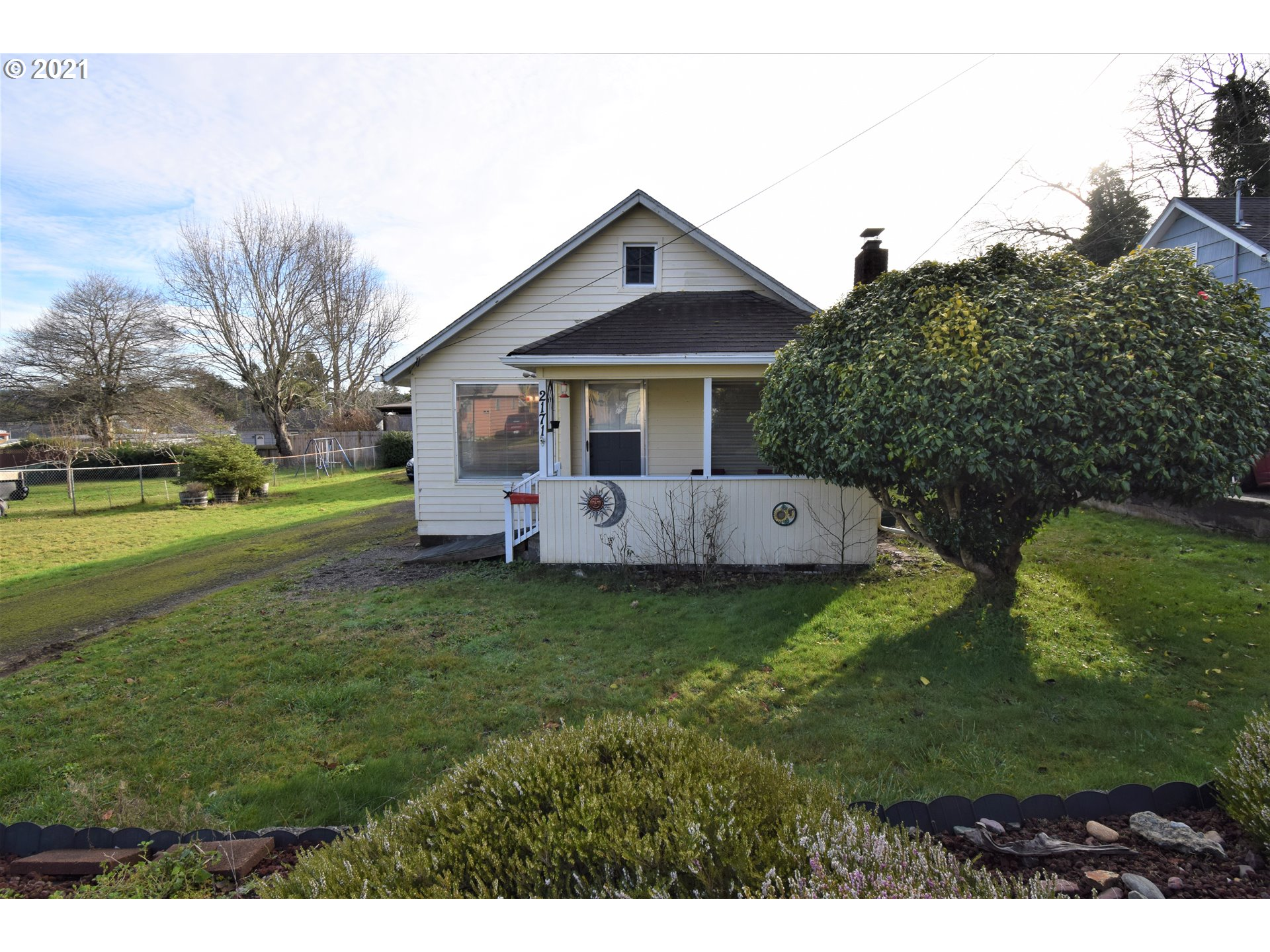 2171 WALL ST, North Bend OR 97459