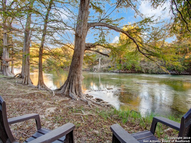 211 TIMBER VIEW DR, Boerne TX 78006