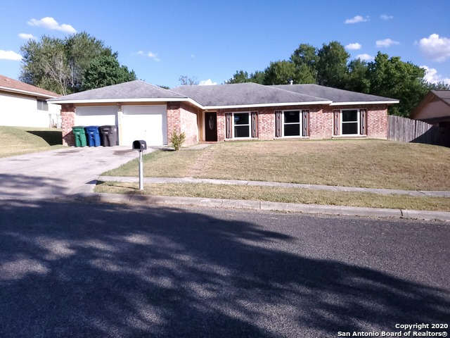 6318 Ridge Tree Dr, San Antonio TX 78233