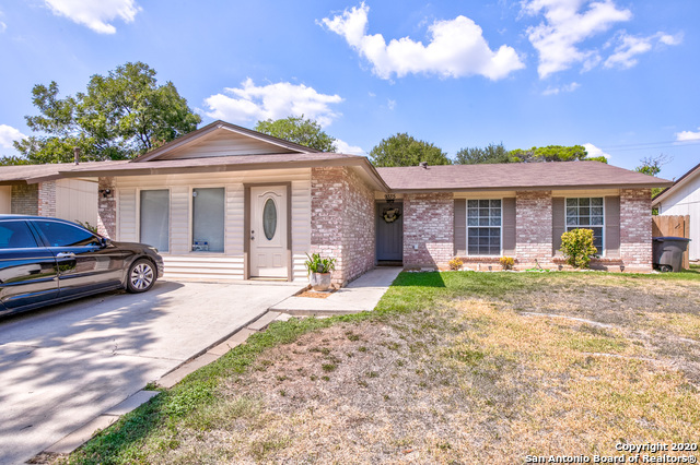 9335 CLIFF WAY ST, San Antonio TX 78250